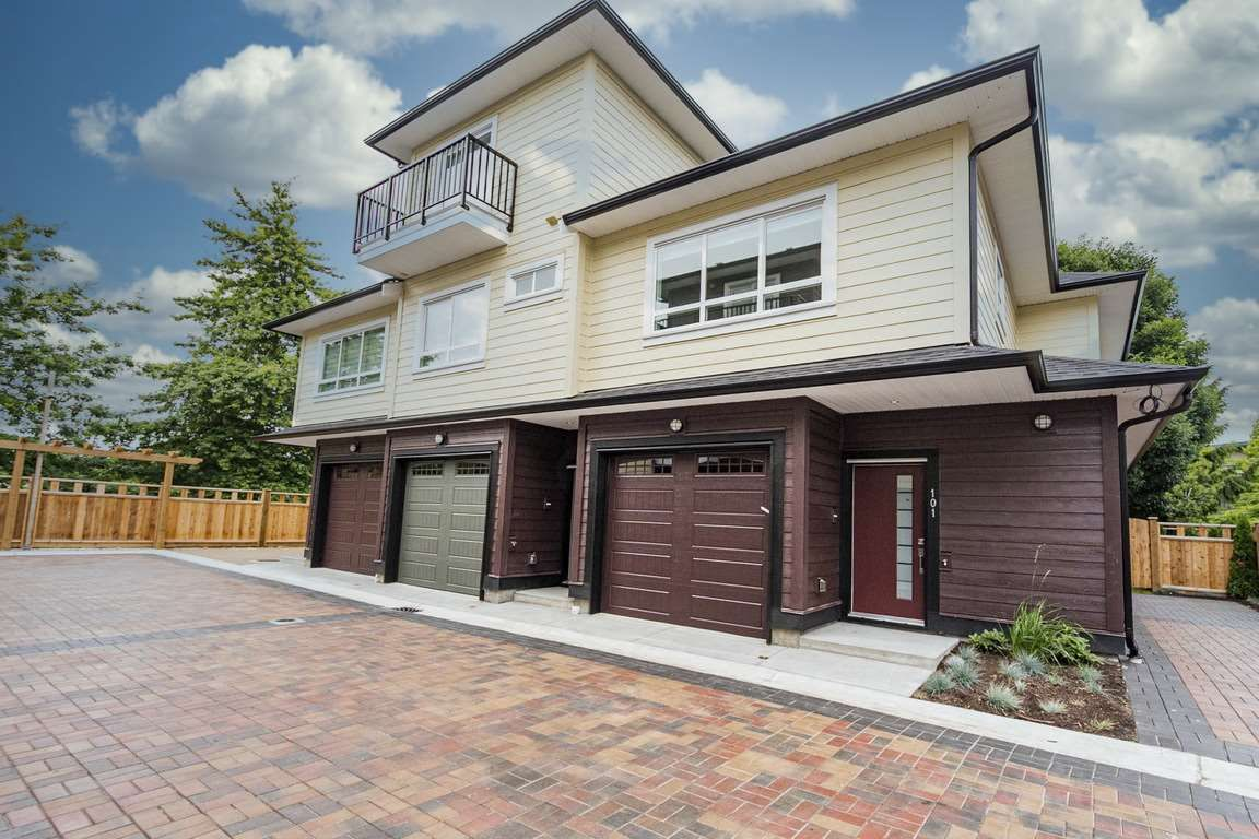 "Photo 1: Photos: 101 6571 NO. 4 Road in Richmond: Garden City Townhouse for sale in ""QURESHA GARDENS"" : MLS®# R2525392"