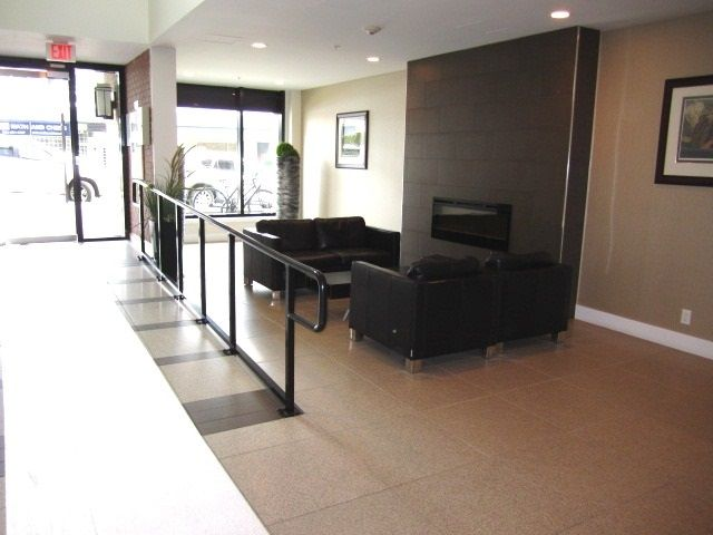Photo 3: Photos: 307 7777 ROYAL OAK AVENUE in Burnaby: South Slope Condo for sale (Burnaby South)  : MLS®# R2062164