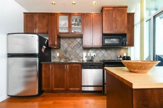 """Photo 3: 316 2515 ONTARIO Street in Vancouver: Mount Pleasant VW Condo for sale in """"ELEMENTS"""" (Vancouver West)  : MLS®# R2197101"""