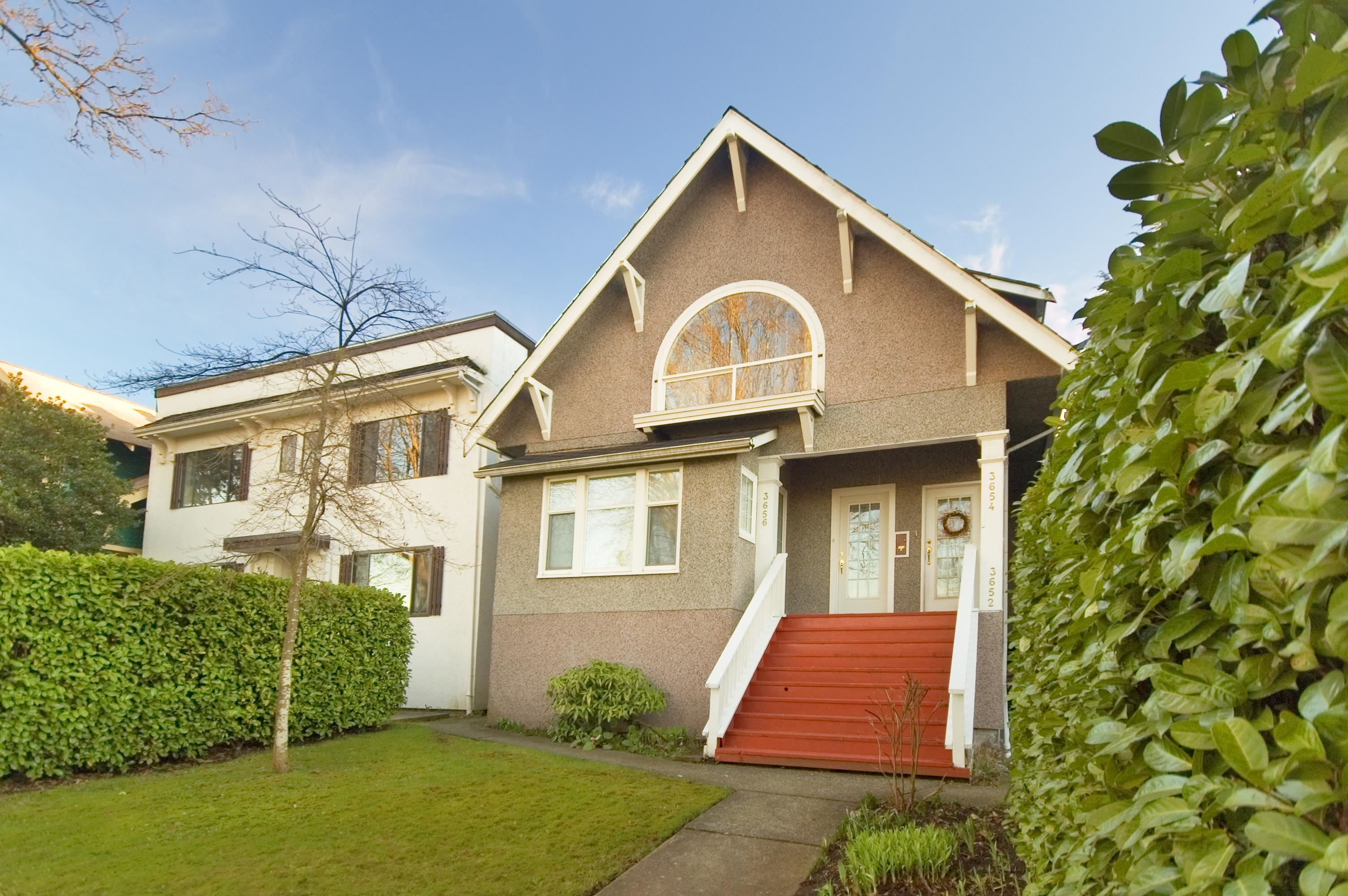 Main Photo: 3652 POINT GREY Road in Vancouver: Kitsilano House for sale (Vancouver West)  : MLS®# R2617908