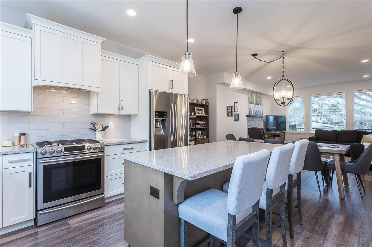 """Photo 5: Photos: 4 4295 OLD CLAYBURN Road in Abbotsford: Abbotsford East House for sale in """"Sunspring Estates"""" : MLS®# R2562456"""
