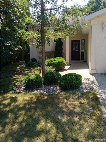 Photo 18: Photos: 54 WESTWOOD Avenue in Mitchell: R16 Residential for sale : MLS®# 1809222