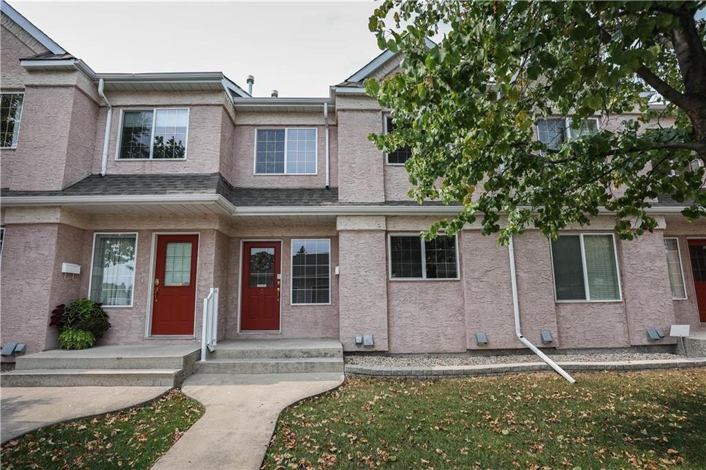Main Photo: 3 66 Willowlake Crescent in Winnipeg: Niakwa Place Condominium for sale (2H)  : MLS®# 202118452