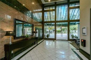 "Photo 3: 401 888 HAMILTON Street in Vancouver: Downtown VW Condo for sale in ""ROSEDALE GARDEN"" (Vancouver West)  : MLS®# R2215482"