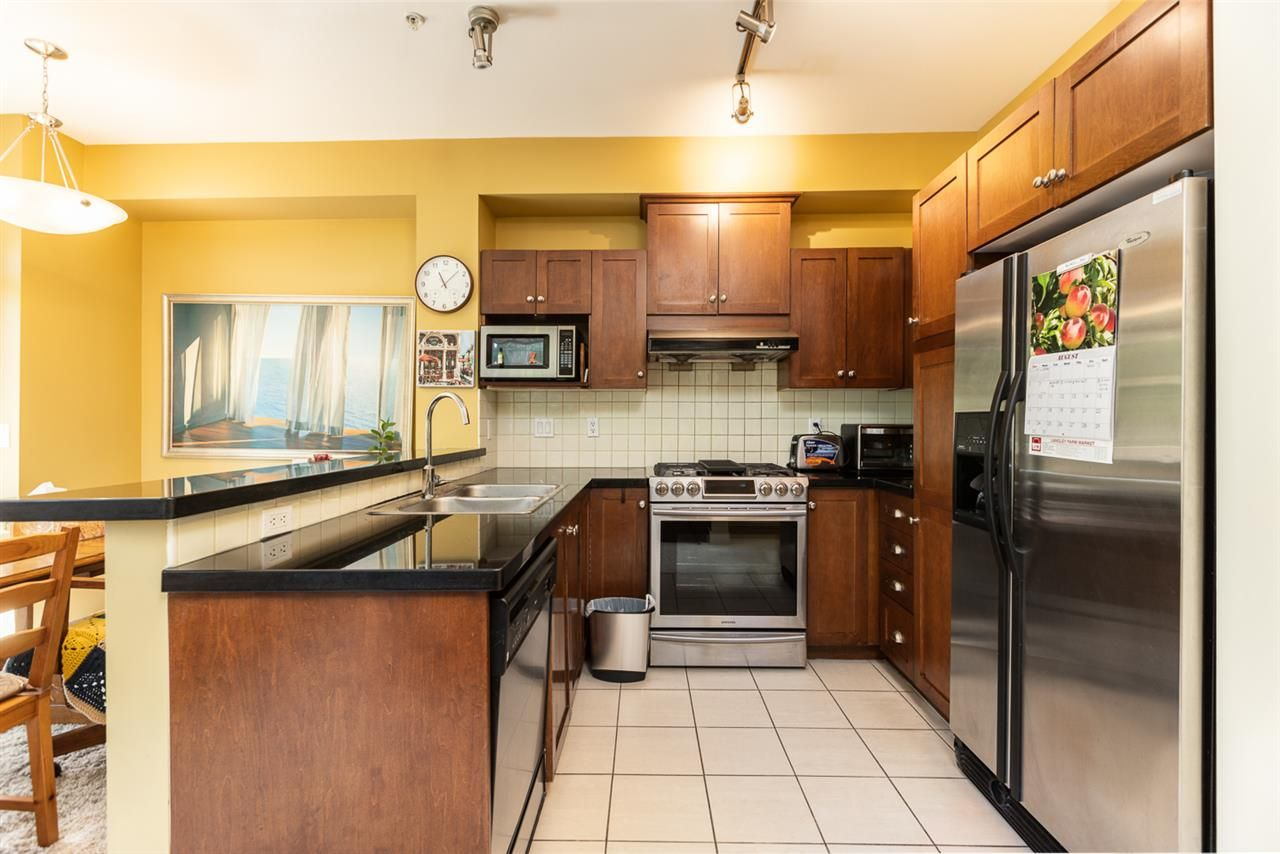 """Photo 7: Photos: 971 WESTBURY Walk in Vancouver: South Cambie Townhouse for sale in """"Churchill Gardens"""" (Vancouver West)  : MLS®# R2488294"""