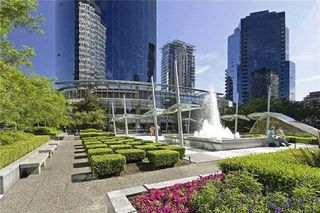 Photo 3: 4304 938 NELSON Street in VANCOUVER: Downtown VW Condo for sale (Vancouver West)  : MLS®# R2160876