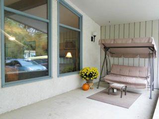 Photo 2: 10 Livingston Place in WINNIPEG: Fort Garry / Whyte Ridge / St Norbert Residential for sale (South Winnipeg)  : MLS®# 1219563