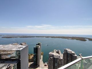 Photo 18: 14 York St Unit #4003 in Toronto: Waterfront Communities C1 Condo for sale (Toronto C01)  : MLS®# C3706392