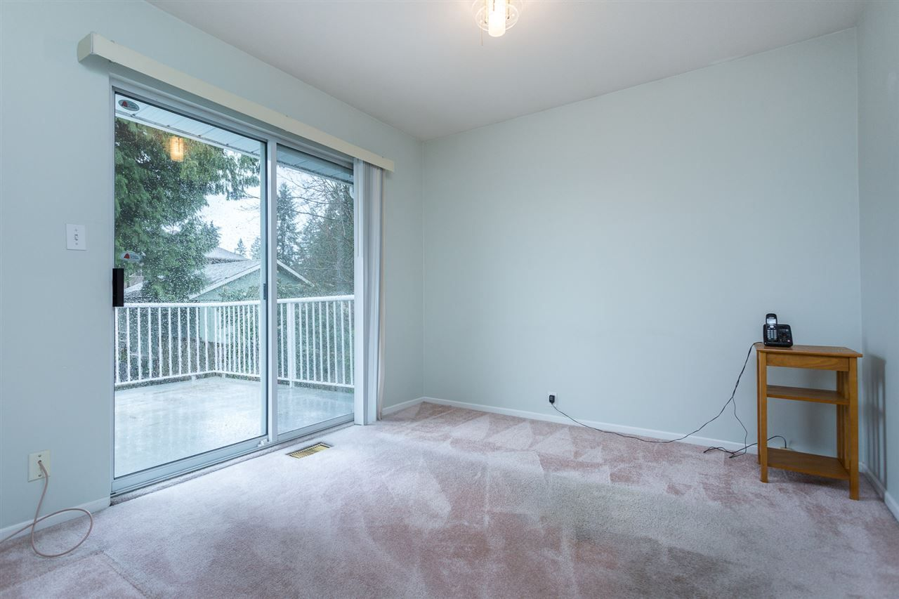 Photo 13: Photos: 1100 GROVER Avenue in Coquitlam: Central Coquitlam House for sale : MLS®# R2047034