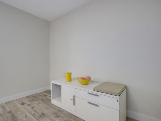 """Photo 7: 401 688 E 16TH Avenue in Vancouver: Fraser VE Condo for sale in """"VINTAGE EASTSIDE"""" (Vancouver East)  : MLS®# R2223422"""
