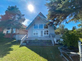 Photo 1: 330 Crystal Springs Close: Rural Wetaskiwin County House for sale : MLS®# E4265020