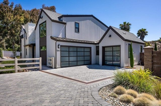 Main Photo: House for sale : 4 bedrooms : 1260 Berryman Canyon in Encinitas