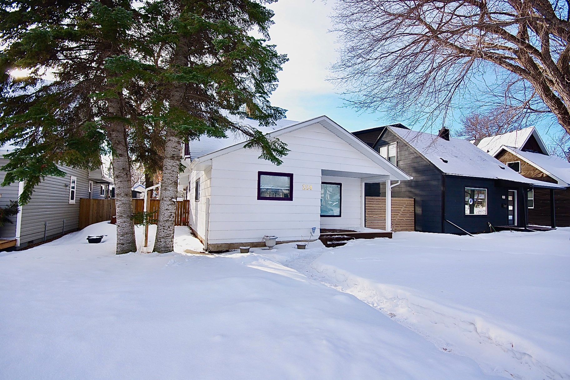 Main Photo: 224 Taylor Street East in : Exhibition Single Family Dwelling for sale (Saskatoon)