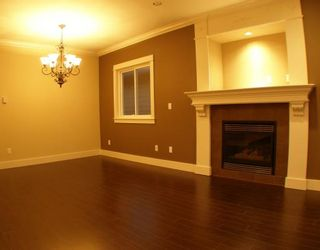 """Photo 3: 6679 BLUNDELL Road in Richmond: Granville House for sale in """"WOODRIDGE MEWS"""" : MLS®# V748353"""