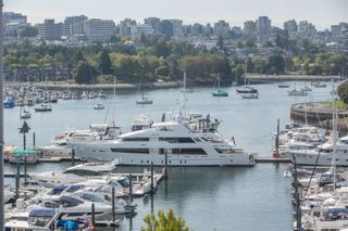 """Photo 16: 908 1033 MARINASIDE Crescent in Vancouver: Yaletown Condo for sale in """"QUAYWEST"""" (Vancouver West)  : MLS®# R2615852"""