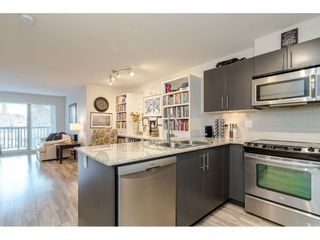 "Photo 8: 304 8915 202ND Street in Langley: Walnut Grove Condo for sale in ""Hawthorne"" : MLS®# R2420017"