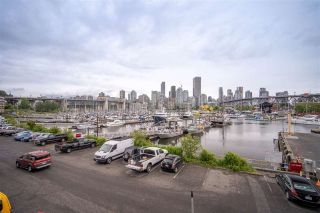 """Photo 32: 301 1510 W 1ST Avenue in Vancouver: False Creek Condo for sale in """"Mariner Walk"""" (Vancouver West)  : MLS®# R2589814"""