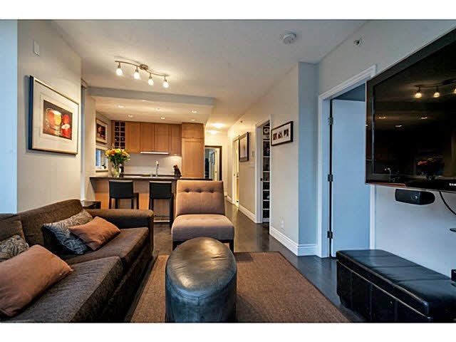 """Photo 4: Photos: 1808 821 CAMBIE Street in Vancouver: Downtown VW Condo for sale in """"RAFFLES ON ROBSON"""" (Vancouver West)  : MLS®# V1125986"""