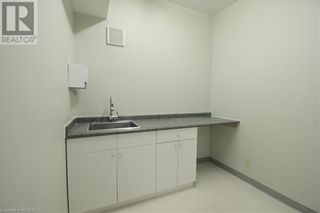 Photo 12: 55 MARY Street Unit# 112 in Lindsay: Other for lease : MLS®# 40100037