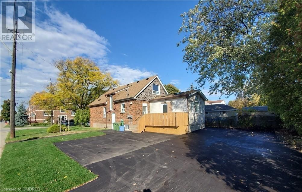 Main Photo: 63 E 36TH Street in Hamilton: Commercial for lease : MLS®# 40125654
