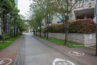 """Photo 19: 1504 1455 HOWE Street in Vancouver: Yaletown Condo for sale in """"POMARIA"""" (Vancouver West)  : MLS®# R2387626"""