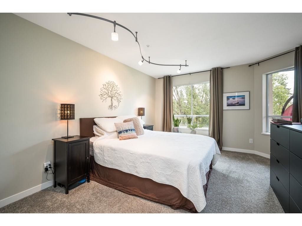 """Photo 13: Photos: 306 5450 208 Street in Langley: Langley City Condo for sale in """"Montgomery Gate"""" : MLS®# R2608181"""