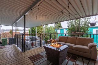"""Photo 3: 74 1840 160 Street in Surrey: King George Corridor Manufactured Home for sale in """"Breakaway Bays"""" (South Surrey White Rock)  : MLS®# R2431476"""