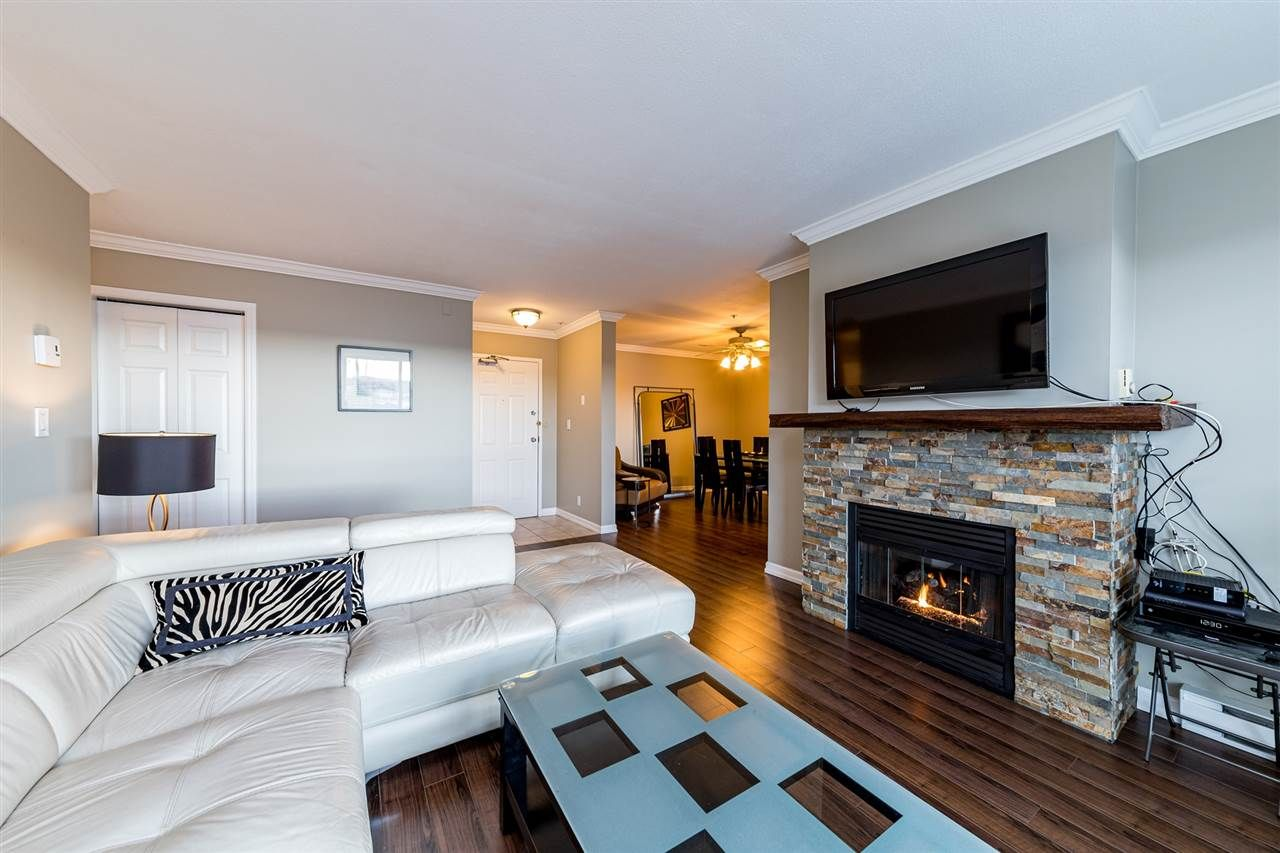 """Main Photo: P11 223 MOUNTAIN Highway in North Vancouver: Lynnmour Condo for sale in """"Mountain View Village"""" : MLS®# R2554173"""