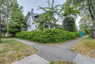 Photo 2: 3793 W 24th Avenue in Vancouver: House for sale : MLS®# R2072667