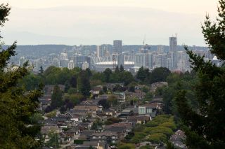 "Photo 8: 301 N HYTHE Avenue in Burnaby: Capitol Hill BN House for sale in ""CAPITOL HILL"" (Burnaby North)  : MLS®# R2531896"