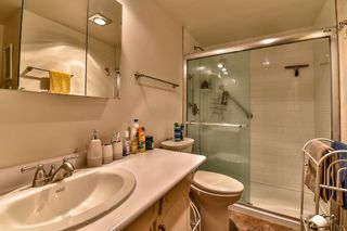 """Photo 15: 206 1554 GEORGE Street: White Rock Condo for sale in """"The Georgian"""" (South Surrey White Rock)  : MLS®# R2052627"""