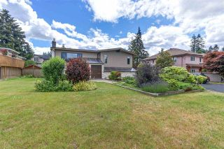 Photo 1: 822 REGAN Avenue in Coquitlam: Coquitlam West House for sale : MLS®# R2284027