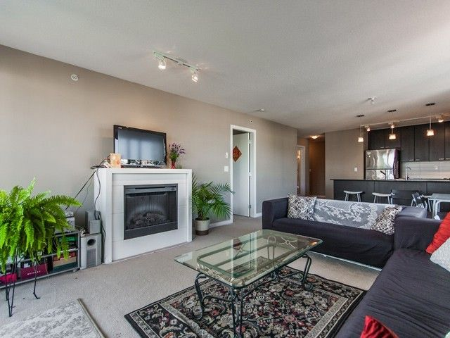 Photo 3: Photos: # 801 39 SIXTH ST in New Westminster: Downtown NW Condo for sale : MLS®# V1030114