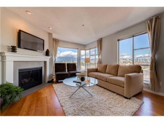 "Photo 4: PH22 2175 W 3RD Avenue in Vancouver: Kitsilano Condo for sale in ""SEA BREEZE"" (Vancouver West)  : MLS®# V1140855"