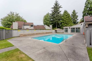 """Photo 26: 6155 E GREENSIDE Drive in Surrey: Cloverdale BC Townhouse for sale in """"Greenside Estates"""" (Cloverdale)  : MLS®# R2279920"""