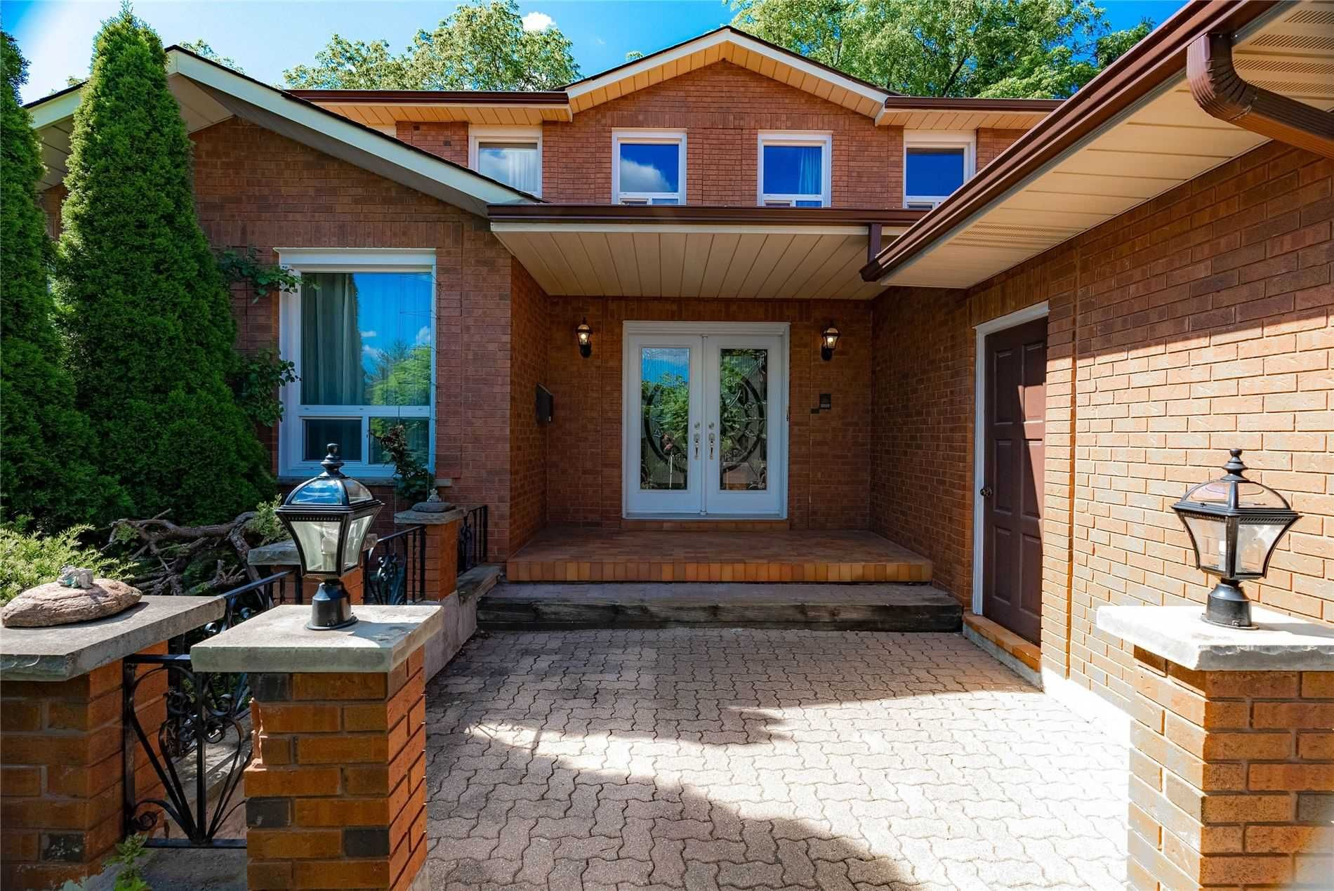 Main Photo: 24 Carnegie Crescent in Markham: Aileen-Willowbrook House (2-Storey) for sale : MLS®# N5364298