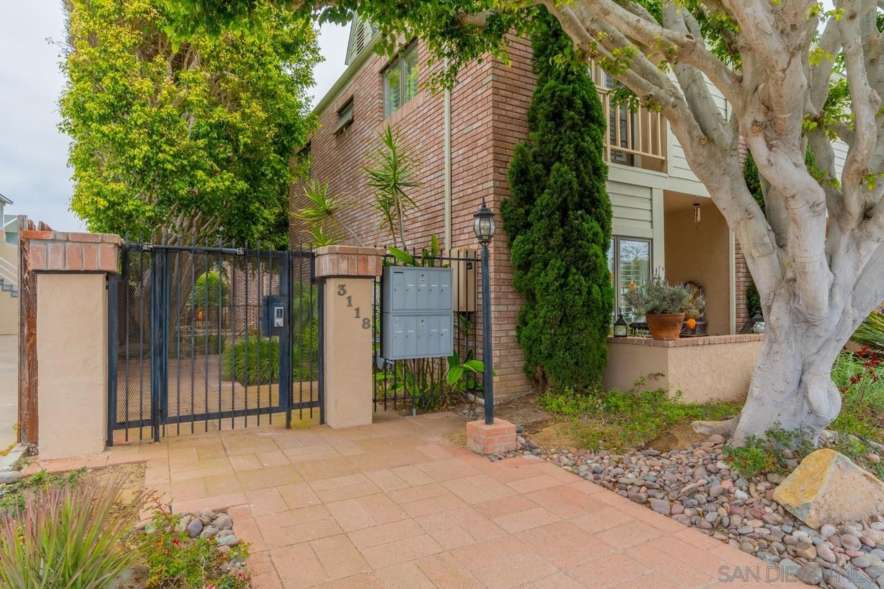 Main Photo: POINT LOMA Condo for sale : 2 bedrooms : 3118 Canon St #6 in San Diego