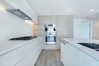 """Photo 4: 1002 5508 HOLLYBRIDGE Way in Richmond: Brighouse Condo for sale in """"RIVER PARK PLACE 3"""" : MLS®# R2622316"""