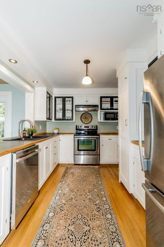 Photo 15: 23 Sherwood Drive in Wolfville: 404-Kings County Residential for sale (Annapolis Valley)  : MLS®# 202123646