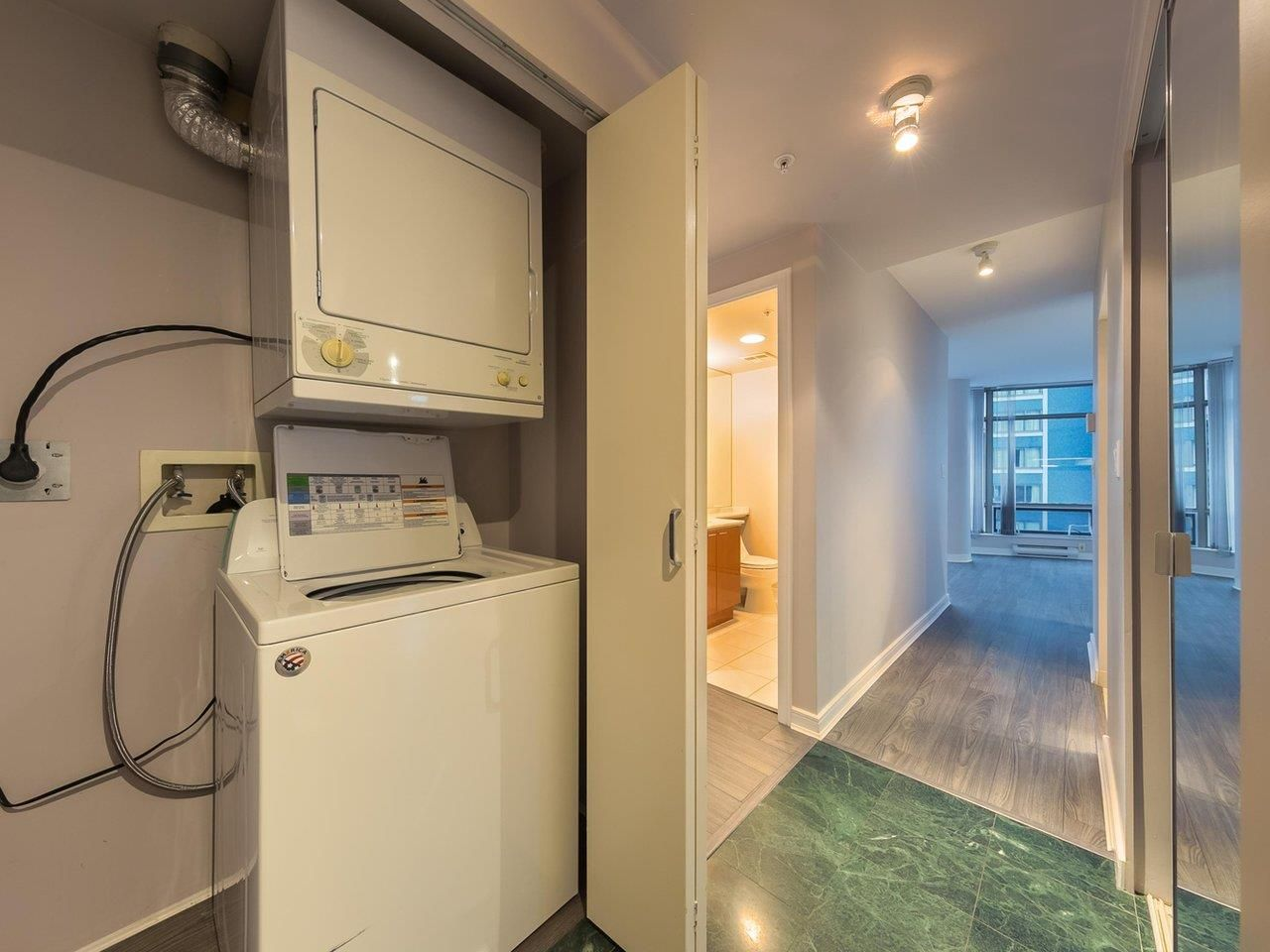"""Photo 17: Photos: 1202 1200 ALBERNI Street in Vancouver: West End VW Condo for sale in """"Palisades"""" (Vancouver West)  : MLS®# R2527140"""