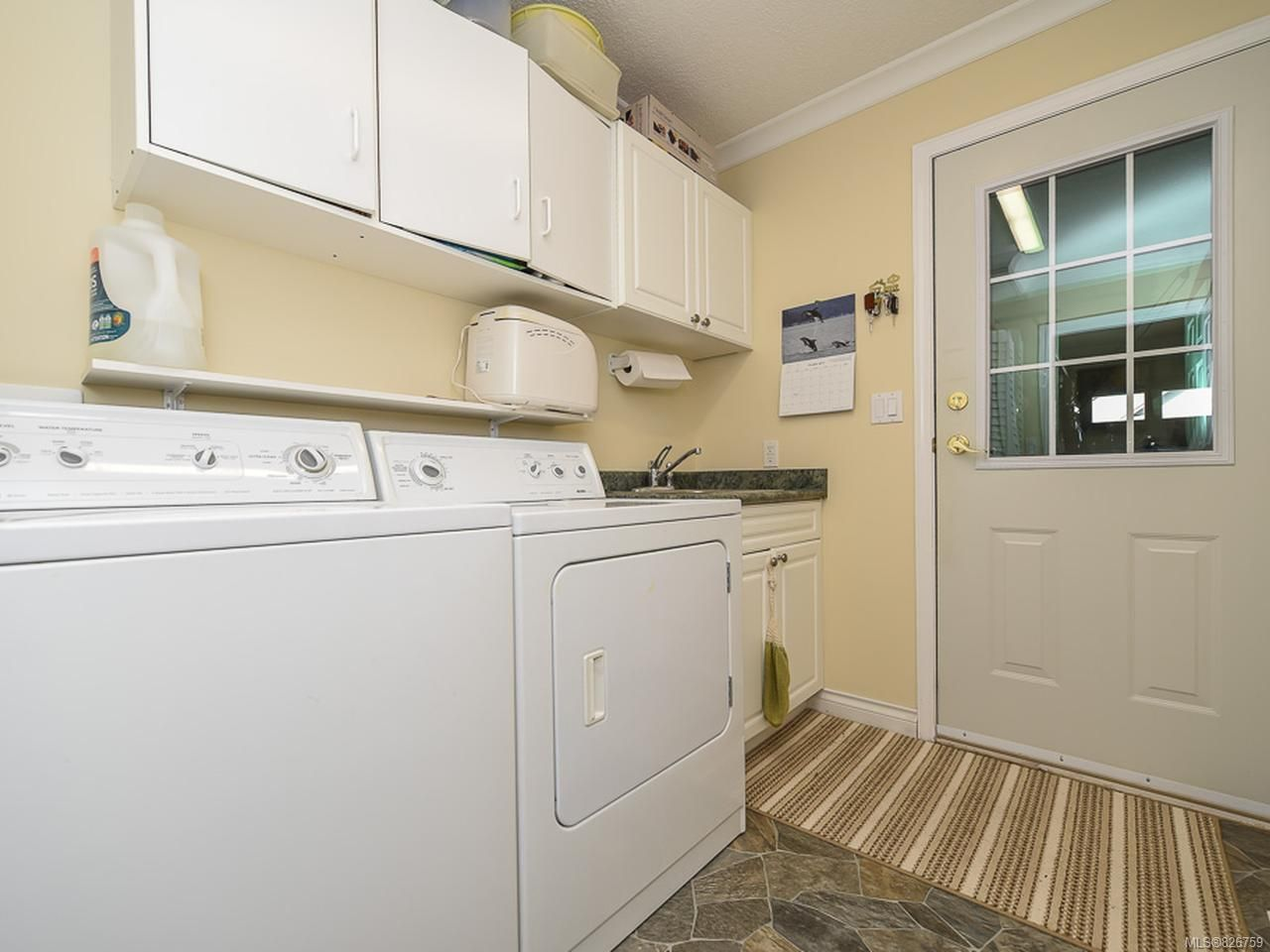 Photo 21: Photos: 2165 Stirling Cres in COURTENAY: CV Courtenay East House for sale (Comox Valley)  : MLS®# 826759