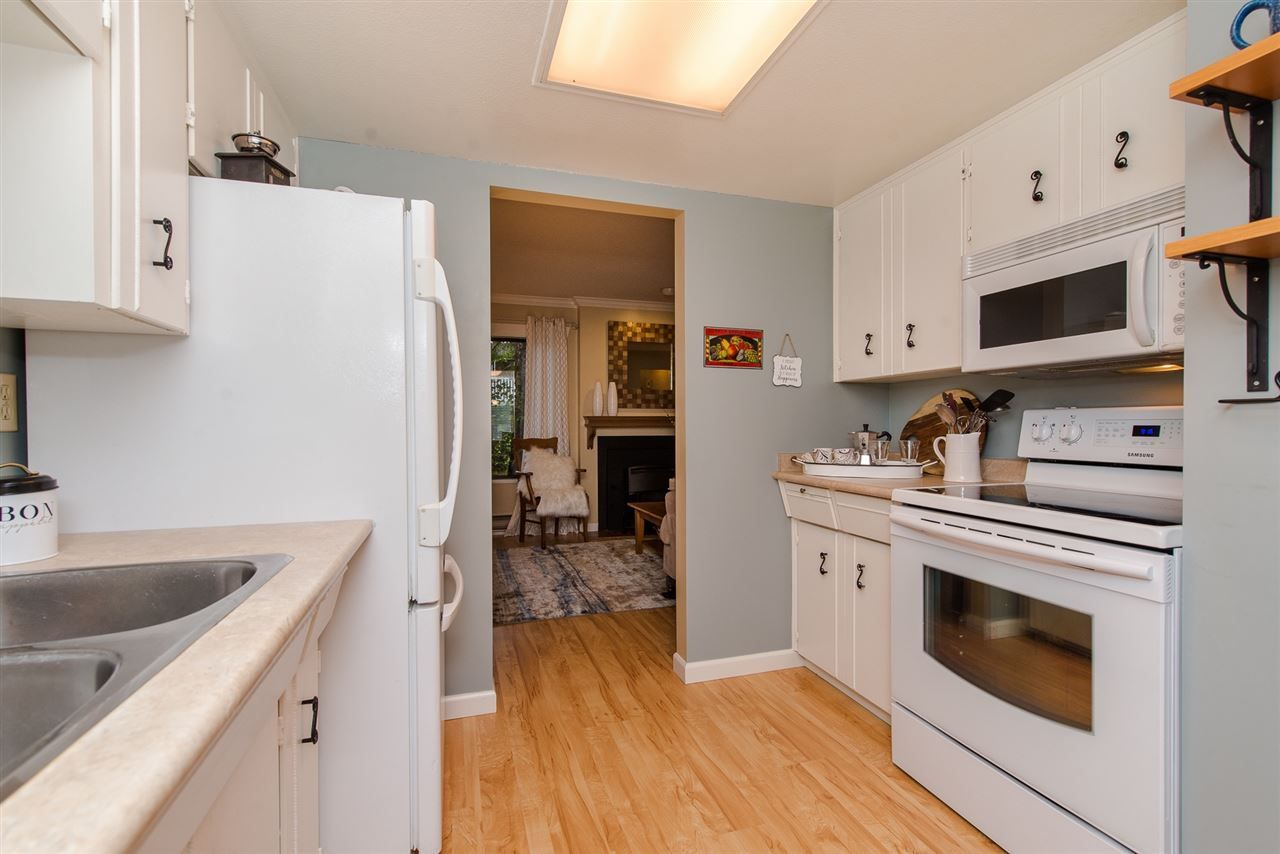 """Photo 8: Photos: 4 3015 TRETHEWEY Street in Abbotsford: Central Abbotsford Townhouse for sale in """"Birch Grove Terrace"""" : MLS®# R2272220"""