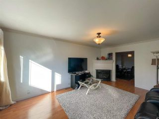 Photo 3: 822 DUBLIN Street in New Westminster: Moody Park House for sale : MLS®# R2576117