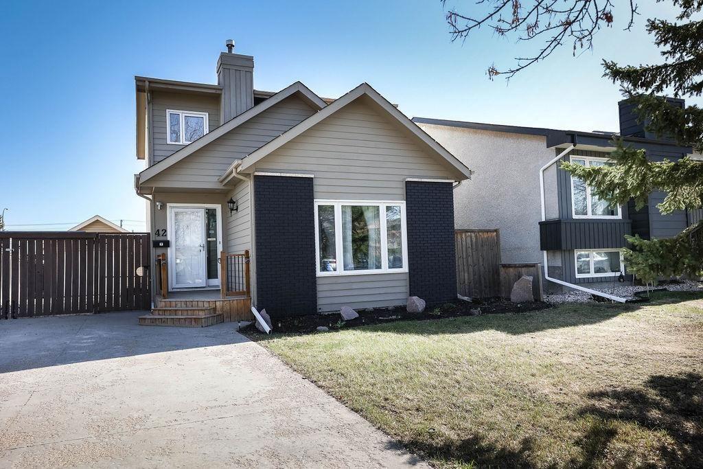 Main Photo: 42 Hearthwood Grove in Winnipeg: Riverbend Residential for sale (4E)  : MLS®# 202111545
