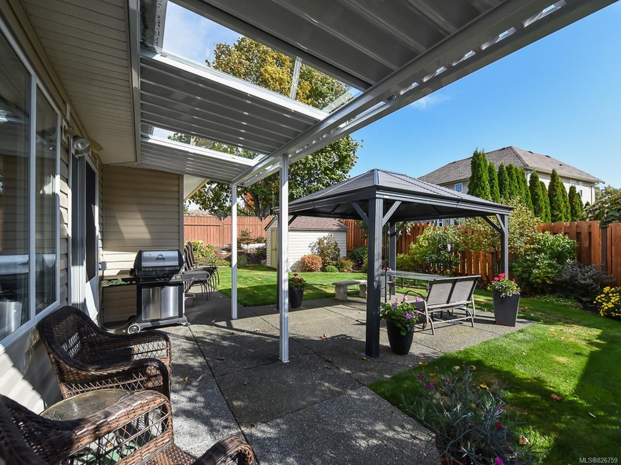 Photo 2: Photos: 2165 Stirling Cres in COURTENAY: CV Courtenay East House for sale (Comox Valley)  : MLS®# 826759