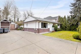 Photo 3: 9572 125 Street in Surrey: Queen Mary Park Surrey House for sale : MLS®# R2536790