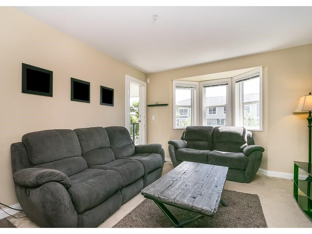 """Photo 10: Photos: 206 19774 56 Avenue in Langley: Langley City Condo for sale in """"Madison Station"""" : MLS®# R2582566"""