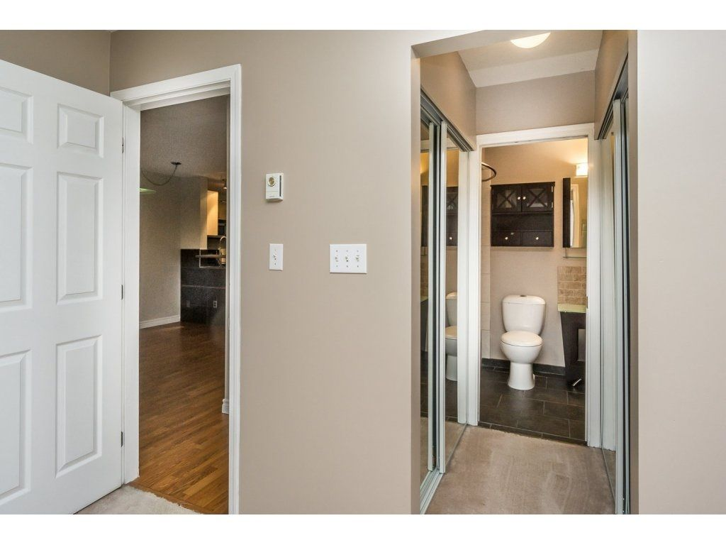 """Photo 14: Photos: 302 33839 MARSHALL Road in Abbotsford: Central Abbotsford Condo for sale in """"Cityscape"""" : MLS®# R2106369"""