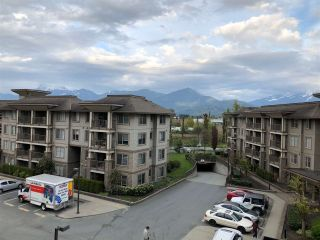 "Photo 1: 401 45559 YALE Road in Chilliwack: Chilliwack W Young-Well Condo for sale in ""VIBE"" : MLS®# R2364086"