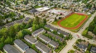 """Photo 20: 19 8767 162 Street in Surrey: Fleetwood Tynehead Townhouse for sale in """"Taylor"""" : MLS®# R2460705"""